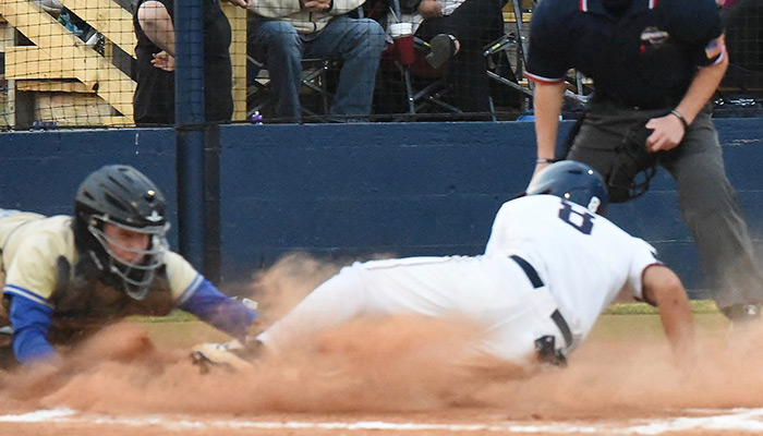 Wildcats edge Colonels in pitchers' duel