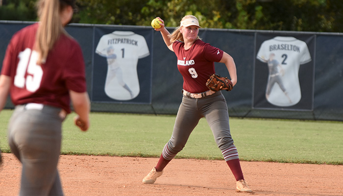 Read more about the article Carrington's homers send Wildcats past Hornets